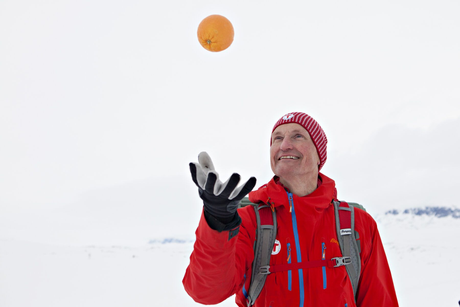 The skiing will not be the same if you forget to bring an orange. Ask any Norwegian, they'll tell you it's true. Photo: Elin Hansson