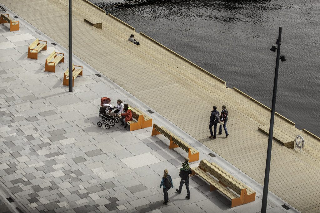 Vestre's design at Aker Brygge in Oslo, Norway. Photo: Tomasz Majewski
